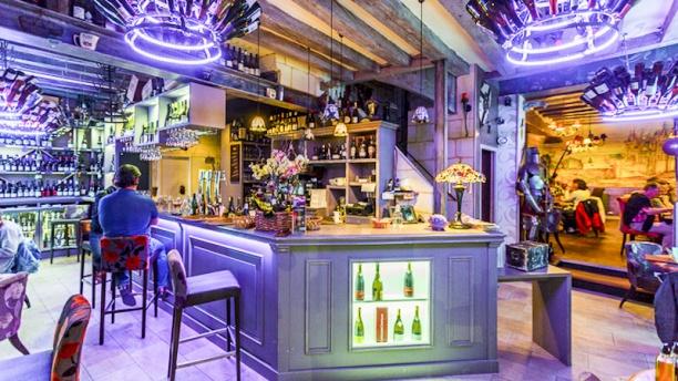 Auberge saint pierre restaurant 6 place saint pierre 49400 saumur adress - Marche saint pierre horaire ...