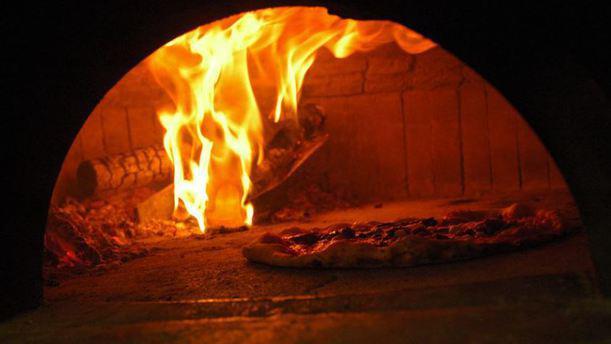 Re Di Napoli pizza oven