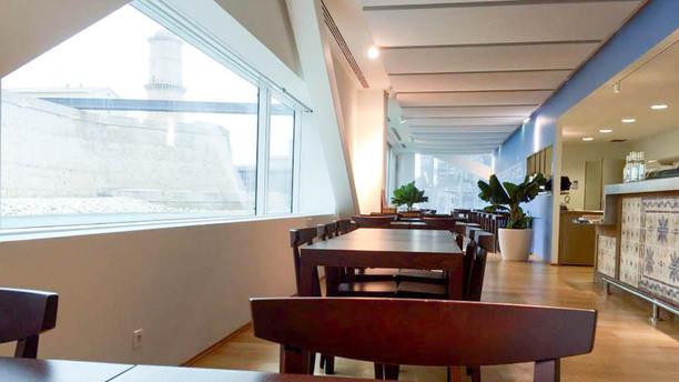 Le Café des Méditerranées Salon du restaurant
