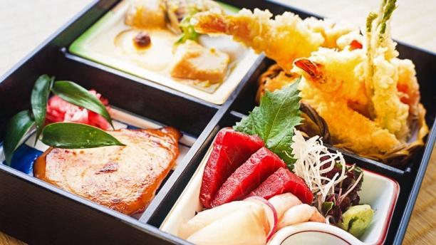 restaurant wasabi sushi grill marseille 13006 avis menu et prix. Black Bedroom Furniture Sets. Home Design Ideas