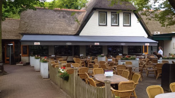 Johanna's Hof Terras met mooie overkapping en terrasverwarming