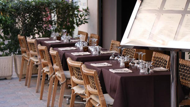 IX-Nove Restaurant