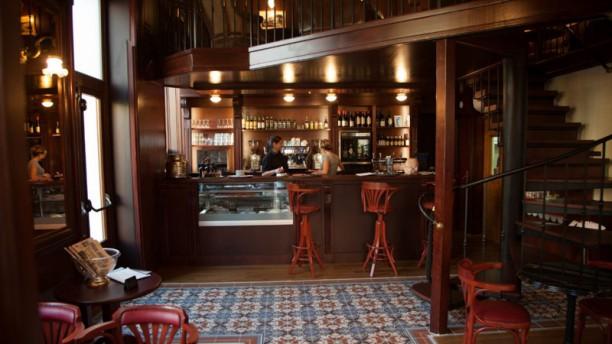Café de la Mairie Salle du restaurant