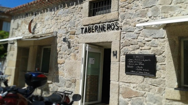Parrilla Taberneros Torrelodones Vista fachada