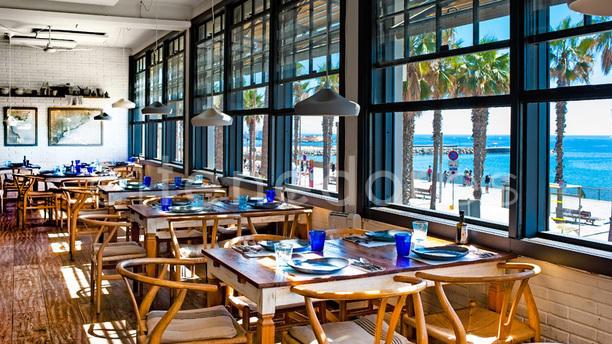 Restaurante barraca en barcelona barceloneta ciutat for Restaurante la campana barcelona
