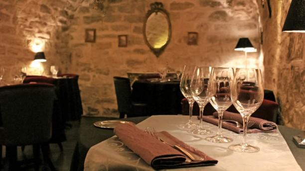 Le 23 Clauzel - Julie Rivière - Le Petit Salon en sous-sol.
